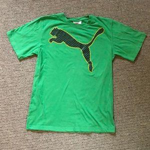 Puma T-shirt. Boys large.
